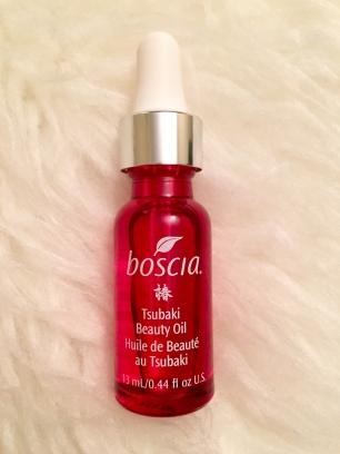I'm all about beauty oils and this one from Boscia was my favorite find from my Boscia 2016 kick-off. I like to press it into my face after cleansing for that perfect dewy glow, but it's also great when you mix a couple of drops into your moisturizer for extra vibrancy!